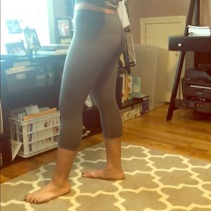 lululemon athletica Pants - Lululemon legging capris